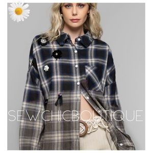 New! Casual + Chic Plaid Gradient Woven Top